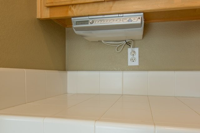 kitchencrate laurant court begins in modesto ca kitchen bath crate. Black Bedroom Furniture Sets. Home Design Ideas