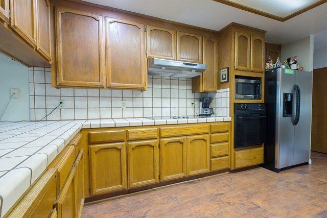 kitchencrate valdapena court begins in escalon ca kitchen bath crate. Black Bedroom Furniture Sets. Home Design Ideas