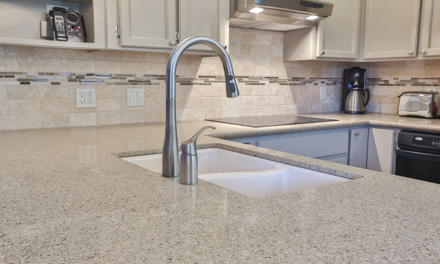 Advantages Of Using Glass Tile Backsplash Celebrating National Backsplash Month Part 3 Kitchen