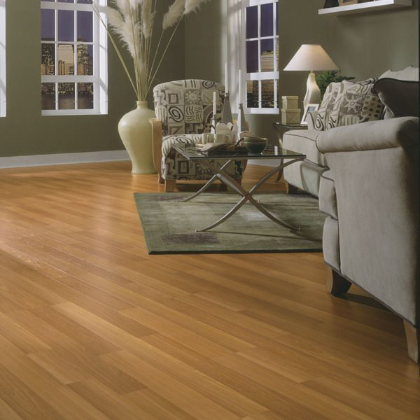 Wood flooring laminate vs engineered vs real wood for Hardwood floors vs carpet